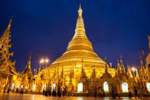 shwedagon_paya_at_night