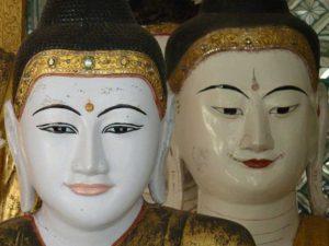 800px-002_two_buddhas_kyaik-khauk_thanlyin