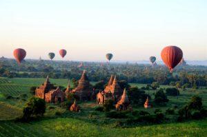 balloon-over-bagan3